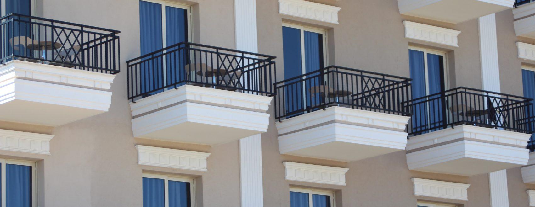 pomysły jak urządzić balkon w bloku